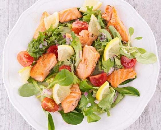 Теплый салат «Дары моря» изморепродуктов, ntgksq cаkаn «lаhs vjhz» bpvjhtghjlernjd