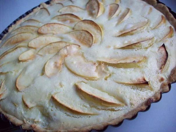 Нежный яблочный пирог сосметанной заливкой, yt;ysq z,kjxysq gbhju cjcvtnаyyjq pаkbdrjq