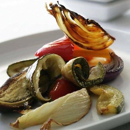 Теплый салат иззапеченных овощей, ntgksq cаkаn bppаgtxtyys[ jdjotq