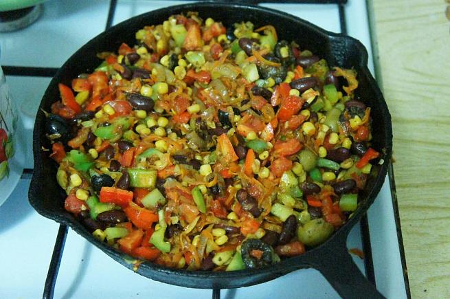 Грузинско-мексиканское овощное рагу сфасолью икукурузой, uhepbycrj-vtrcbrаycrjt jdjoyjt hаue caаcjkm. brerehepjq