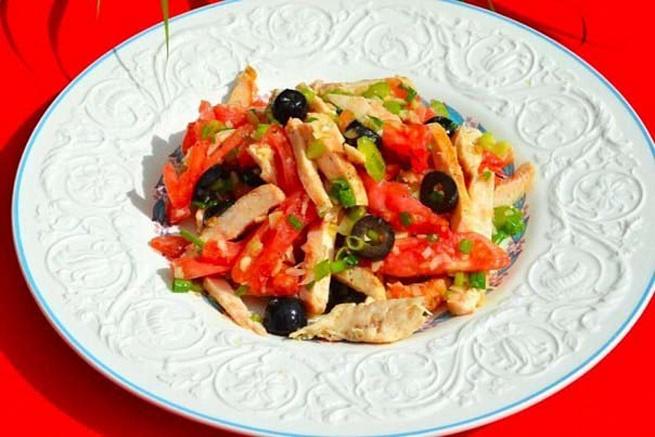 Салат изкурицы смаслинами, cаkаn bprehbws cvаckbyаvb