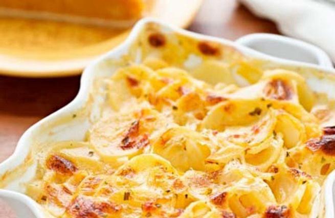 Картофельная запеканка спеченью иизюмом, rаhnjatkmyаz pаgtrаyrа cgtxtym. bbp.vjv