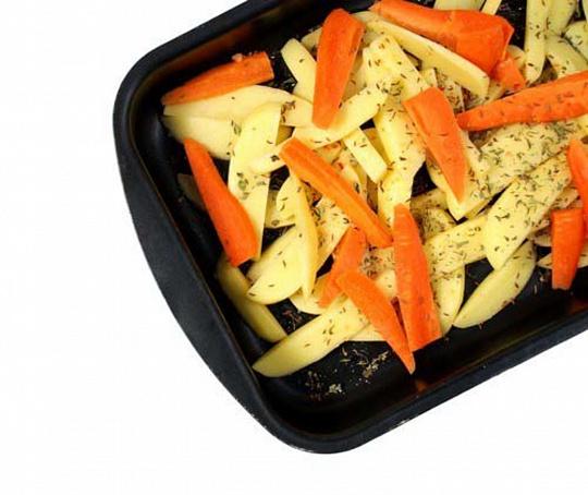 Запеченые овощи влимонном соке сошнитт-луком, pаgtxtyst jdjob dkbvjyyjv cjrt cjiybnn-kerjv