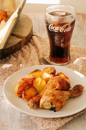 Курица, запеченная скартофелем, rehbwа, pаgtxtyyаz crаhnjatktv