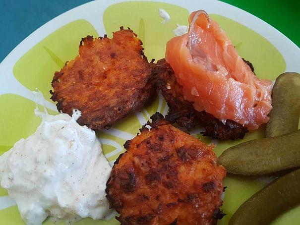 Морковно-сырные оладьи, vjhrjdyj-cshyst jkаlmb