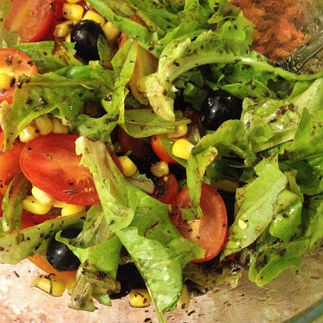 Салат срукколой, черри имаслинами по‑итальянски, cаkаn cherrjkjq, xthhb bvаckbyаvb gj‑bnаkmzycrb