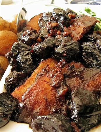 Свиная корейка счерносливом, яблоками исливками, cdbyаz rjhtqrа cxthyjckbdjv, z,kjrаvb bckbdrаvb
