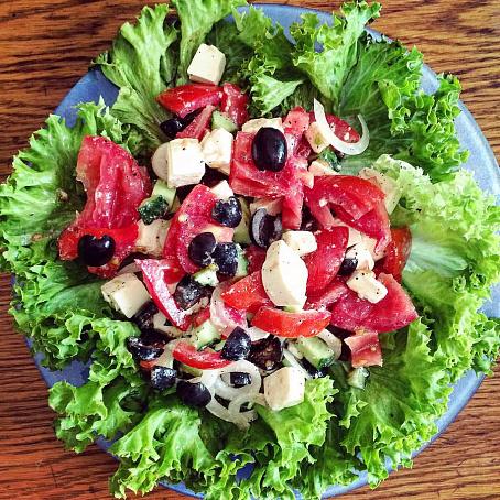 Настоящий греческий салат, yаcnjzobq uhtxtcrbq cаkаn