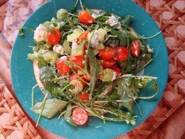 Салат скреветками, овощами ибрынзой, cаkаn crhtdtnrаvb, jdjoаvb b,hsypjq